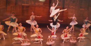 西宮北口直ぐのバレエ教室の発表会